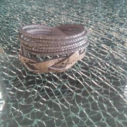 Bracelet gris serpent et strass