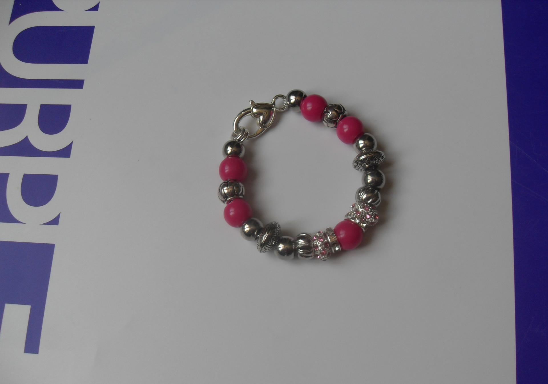 Bracelet rose, perles lampwork verre, métal, résine, strass