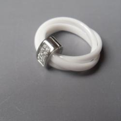 Bague 3 anneaux céramique blanc, argent et strass.