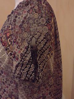 Tunique en voile imprimé.