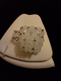 Bague cube en cristal de swarovski blanche.