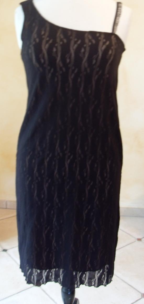 La robe asymétrique de Patricia.