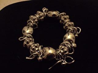 Bracelet fantaisie acier.7€. REF : BB4