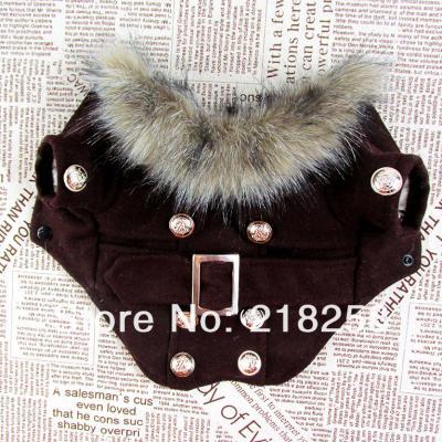 Vêtement chien, manteau marron, boutons, ceinture et col fausse fourrure.