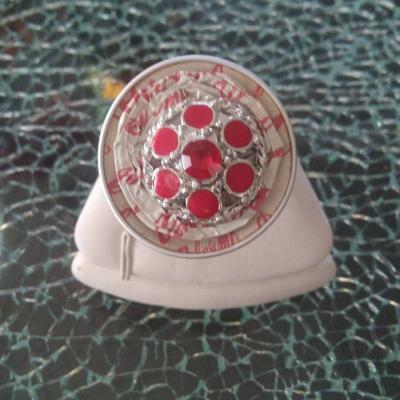Bague capsule café blanc-rouge et cabochon strass rouge