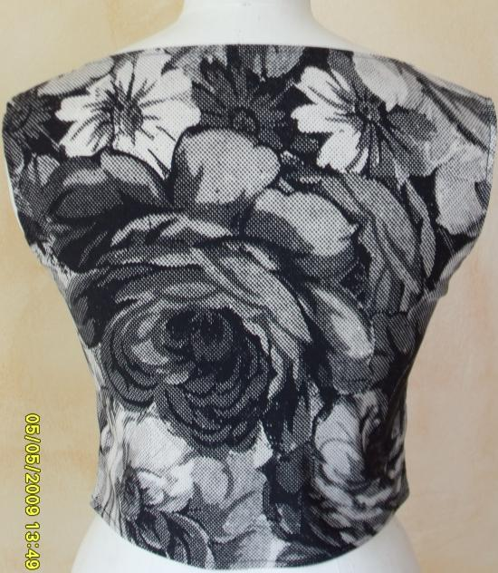 bustier fleuri noir blanc. dos