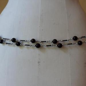Ceinture-bijou perles noires devant