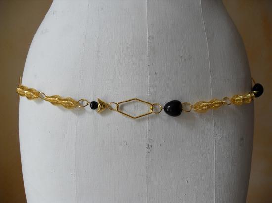ceinture-bijou dorée spirales devant