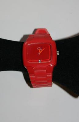 Montre carrée silicone et strass, couleurs fashion.