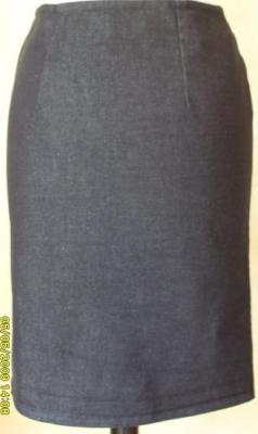Jupe mi-longue jean's bleue.