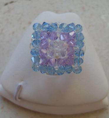 Bague carrée cristal swarovski turquoise-mauve.