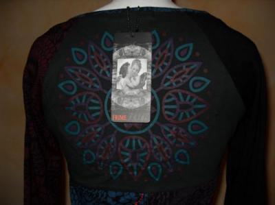 Tee-shirt fleurs-flocons de la marque FRIME.