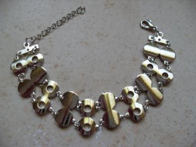 Bracelet 2 rangs cercles métal.