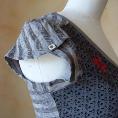 Tee-shirt TULIP gris.