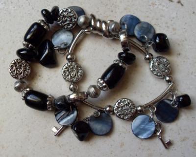 Bracelet 2rangs métal-noir, nacre et clef