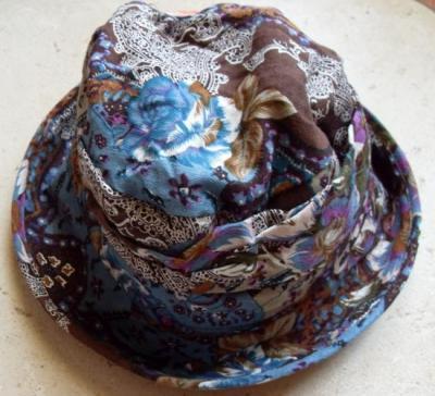 Chapeau fleuri, LENA de Smash.