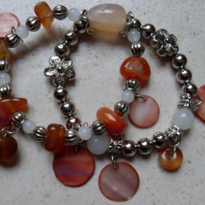 Bracelet 2 rangs, perles, métal argenté, marron.