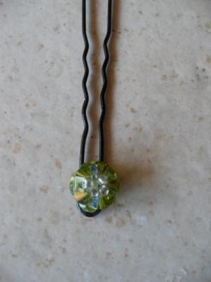 Epingles cheveux fleurs olivine cristal de swarovski.