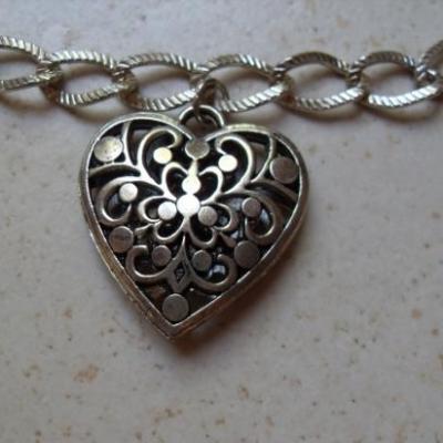 Bracelet chaîne argent et coeur.