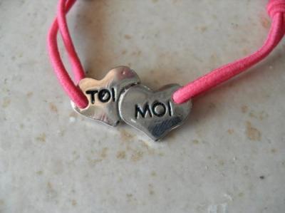 """Bracelet rose- coeur """"toi et moi""""."""