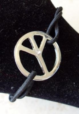 """Bracelet noir et strass, rond """"peace and love"""" ."""
