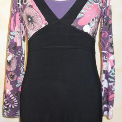 Robe tunique KYLIE, noire et imprimée de Smash.
