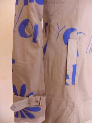 Veste BJORK grise et imprimé bleu-violet de Smash.