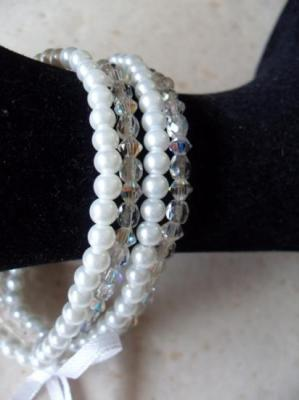 Bracelet blanc 4 rangs de perles , cristal de swarovski, collection