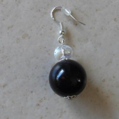 Boucles d'oreilles boules noires et cristal de swarovski.