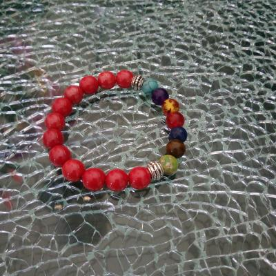 Bracelet rouge et perles 7 chakras