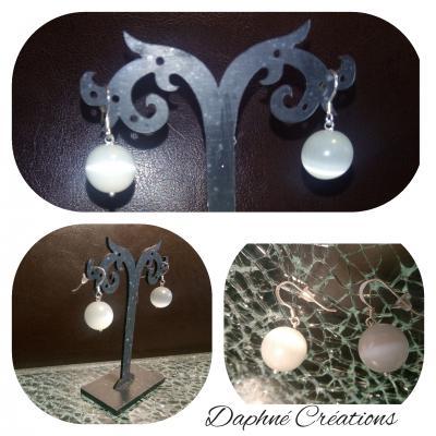 Boucles d'oreilles argent 925 et boules perles blanches oeil de chat.