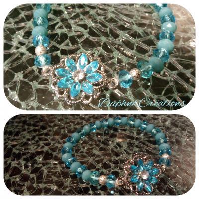 Bracelet cristal de swarovski bleu et fleur strass.