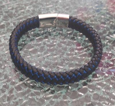 Bracelet cuir tressé noir et bleu et fermoir argenté