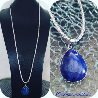 Sautoir tressé et pendentif Cabochon lapis lazuli.