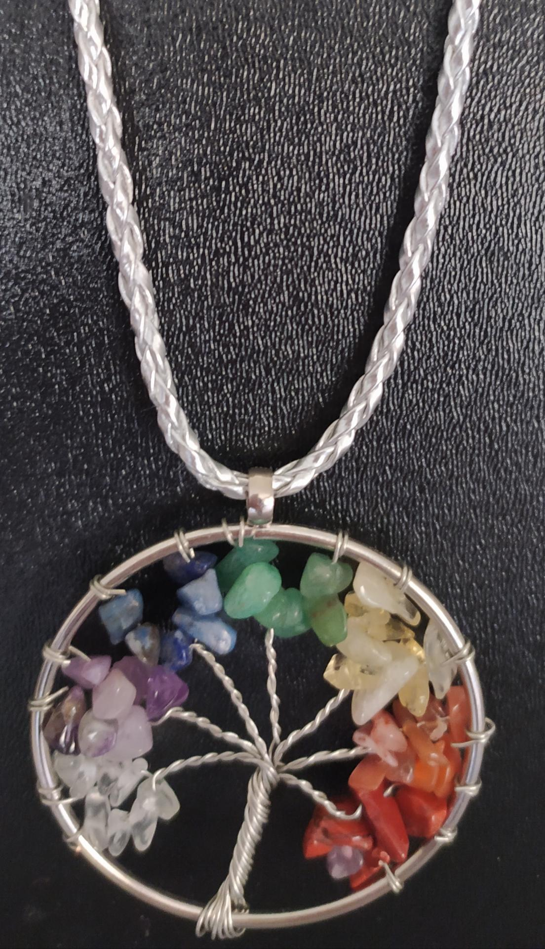pendentif arbre de vie pierres naturelles 7 chakras