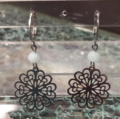 Boucles d'oreilles fleurs acier inoxydable et pierre naturelle