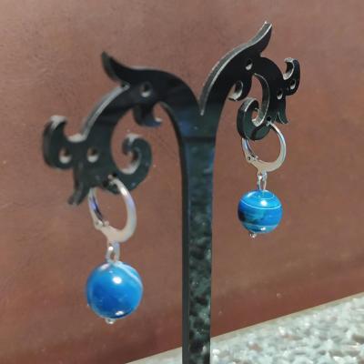 Boucles d'oreilles acier inoxydable et agate bleue.