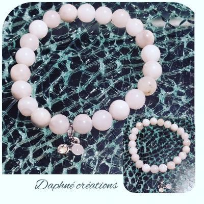 Bracelet en perles naturelles, agates blanches et ses pampilles.