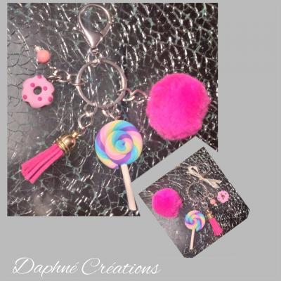 Porte-clés, bijou de sac rose, pompon, perles, donuts et sucette.