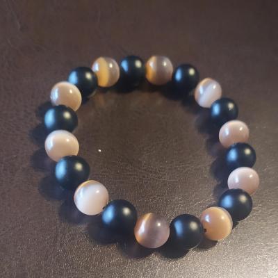 Bracelet homme, en perles naturelles, onyx et œil de chat marron.