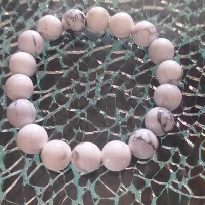 Bracelet en perles naturelles, howlite.