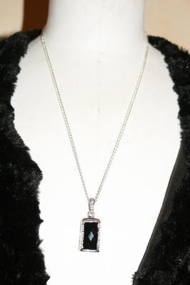 Sautoir clé-usb bijou 4-8gb, métal et strass.