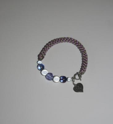 Bracelet tissu gris-mauve, perles et charm's
