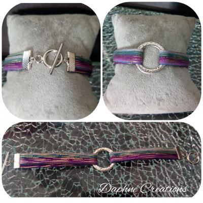 Bracelet cercle métal, lanières tissu et fermoir T