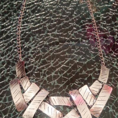 Collier plastron rectangles métal argenté