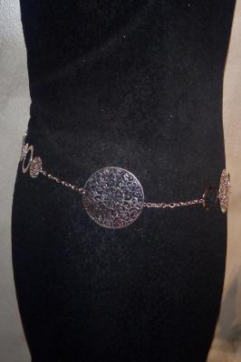 Ceinture-bijou, dorée et argentée, ronds dentelle, chaîne et maillons