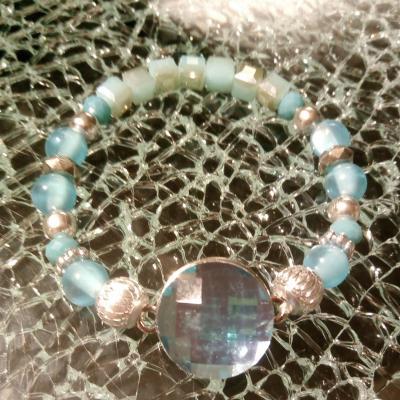 Bracelet bleu, perles et cabochon pression