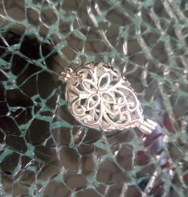Pendentif diffuseur, cage en métal