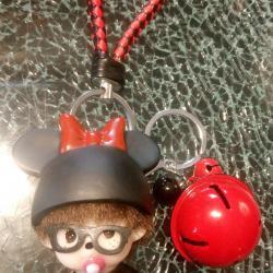Porte-clé, bijou de sac kiki bonnet noir