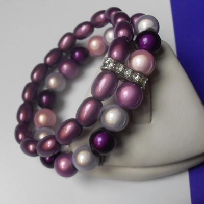 Bracelet violet, 2 rangs de perles magiques et strass.